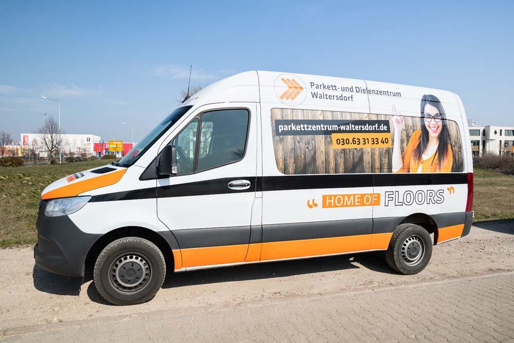 Unser Lieferservice - Transporter vom Parkett- und Dielenzentrum Waltersdorf